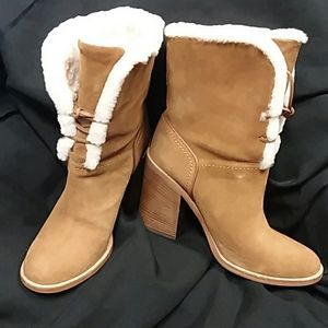 UGG Jerene Boot size 8- worn once